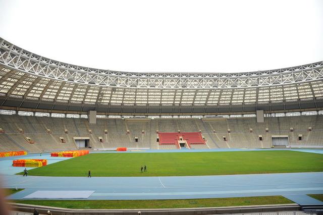 стадиона «Лужники» к